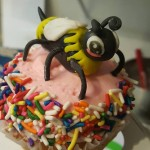 Bumble Bee Jumbo Diva Cupcake