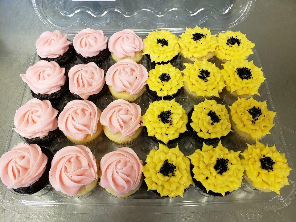 Cupcake Gallery   Miss Moffett\'s Mystical Cupcakes